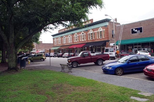 Street Scene. -- Summerville, South Carolina, June 13, 2012.   (1000 words no. 97)
