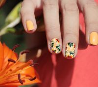 Tropical Nails are back