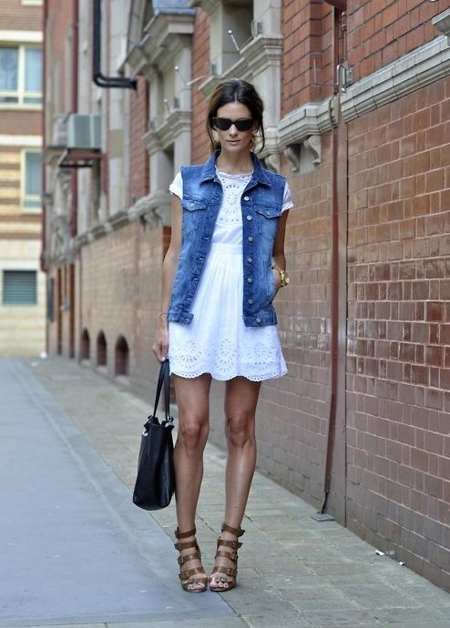 dainty linen dress // scalloped hem // jean vest // strappy sandals // le catch