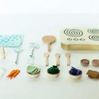 Upcycled Altoids Tin: Miniature Kitchen Set