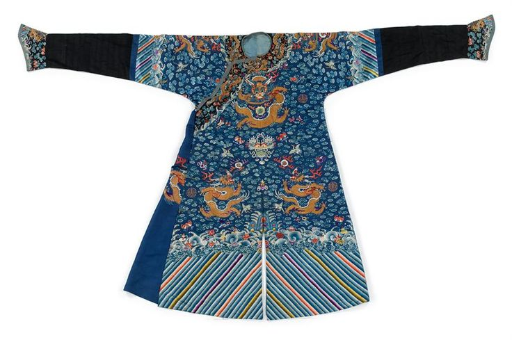 Chinese embroidered silk dragon robe, late Qing dynasty
