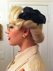 vintage pinup hair due 40s cute