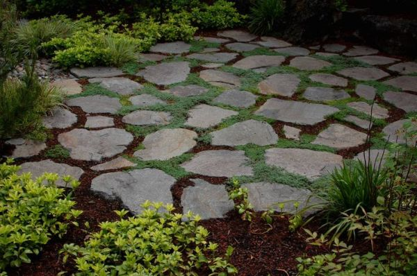 flat stone landscaping ideas