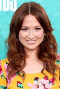 Hair color- Ellie Kemper | Hair | Pinterest