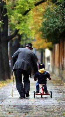 abuelo y nieto - grandfather and grandson