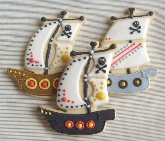 pirate ship cookies! so intricate...