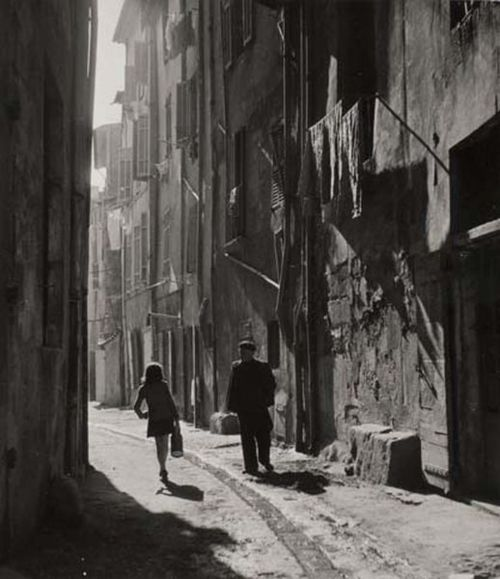 varietas:    Robert Doisneau: Blaise Cendrars dans les rues d'Aix-en-Provence, c.1945