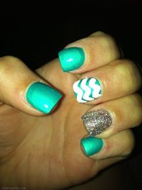 Green - Sparkle nails girly cute nails girl nail polish ...