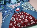 'Simply Geometric' Pincushion DIY ... http://mousechirpy-polkadotpineapple.blogspot.com/2010/01/prety-petunia-pincushion.html#