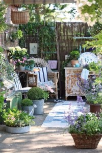 Cozy nook for a small yard. | Cozy Yard Spaces | Pinterest