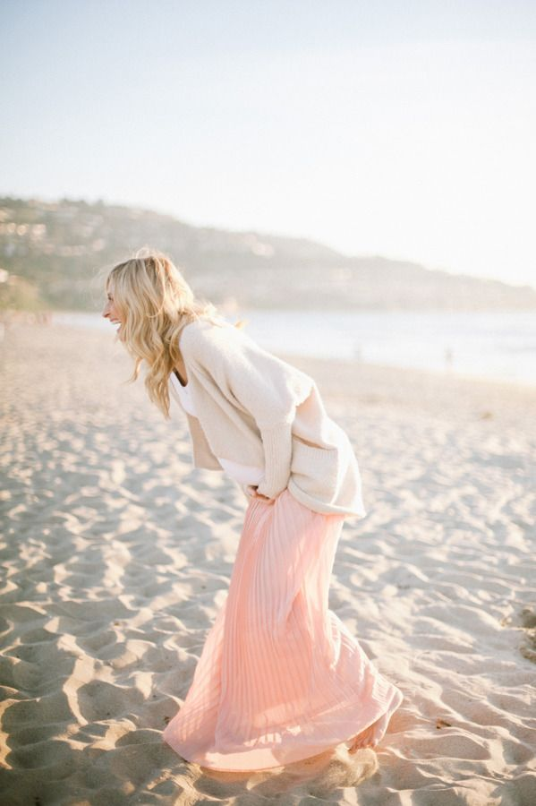 Neutral & pastel maternity fashion | Photography by Christine Choi via Style me Pretty