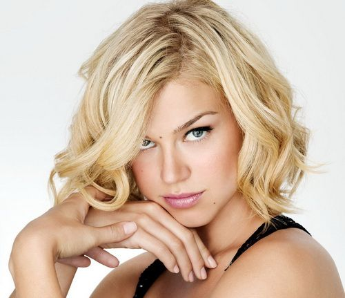 Adrianne Palicki Short Curlie Hairstyles Perfect Short Hairstyles for Oval Face