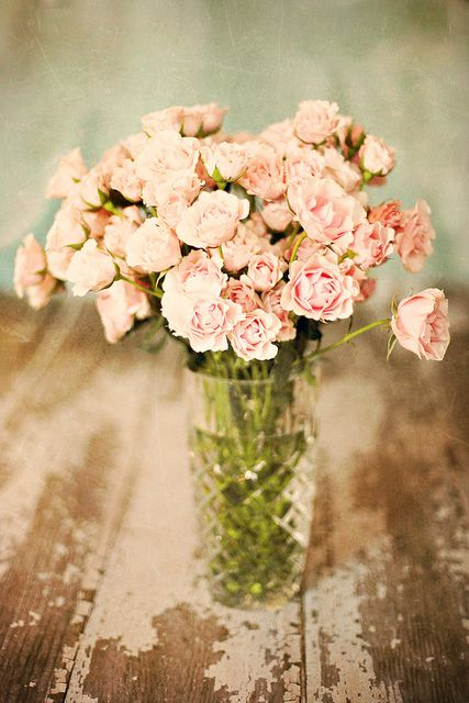 Blush pink spray roses