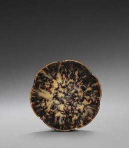 A richly-mottled Jizhou 'tortoise-shell'-glazed five-lobed bowl, Southern Song Dynasty