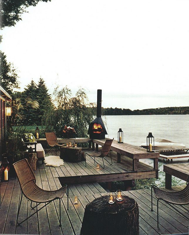 Definitely am going to have an outdoor fireplace. Preferably right by the water like this.