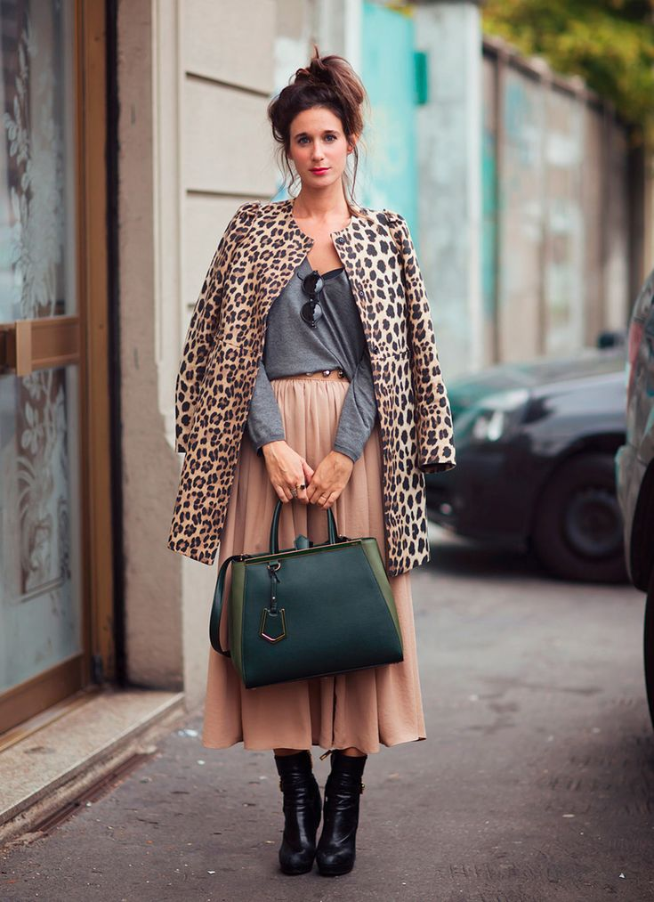 Peach midi skirt, charcoal knit, leopard coat & oversized emerald handbag