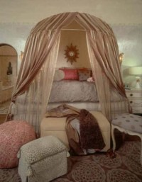 Round canopy bed, pretty in pink. | House ideas I love ...