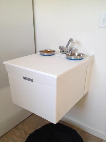 Utilatop White Laundry Tub Top Cover