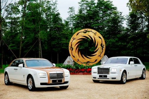 September: The unique Ghost Golden Sunbird – appearing alongside the highly bespoke Home of Rolls-Royce Collection Phantom – inspired by the ancient artefact shown in this sculpture debuts in China.