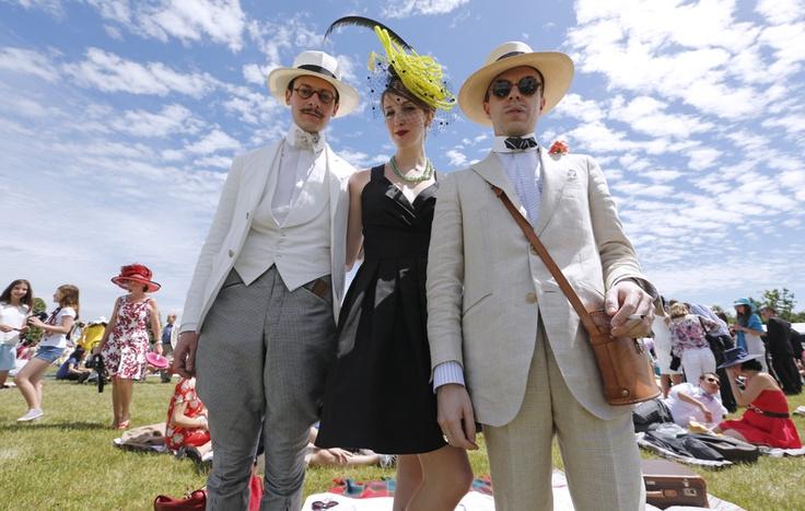 Spettatori della corsa equestre Prix de Diane, a Chantilly, in Francia.  (François Guillot, Afp)