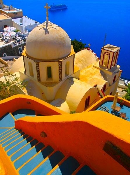 Amazing Snaps: Fabulous Creations in Santorini, Greece