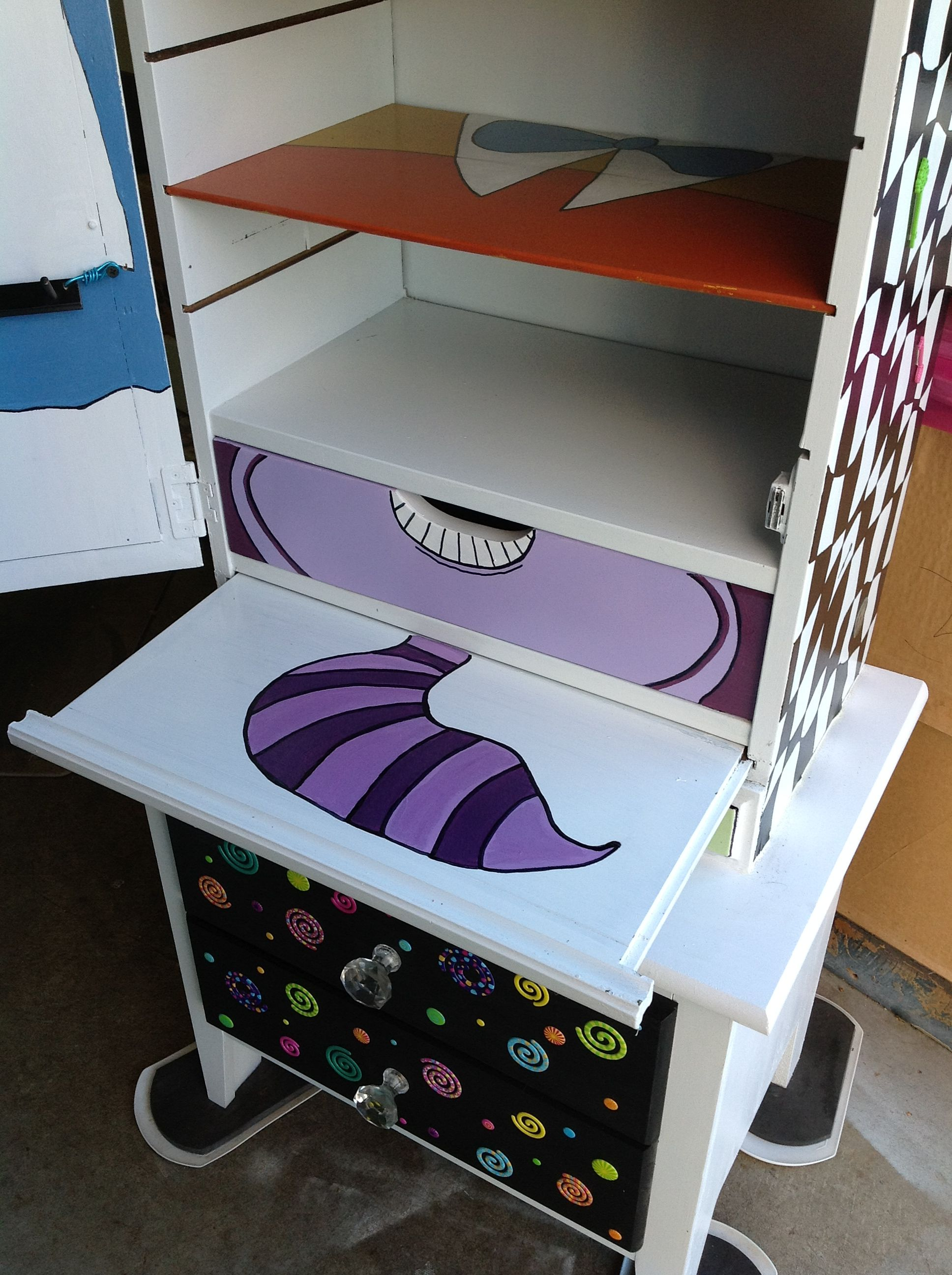 alice in wonderland chair mainstays xl zero gravity with side table and canopy furniture funky pinterest