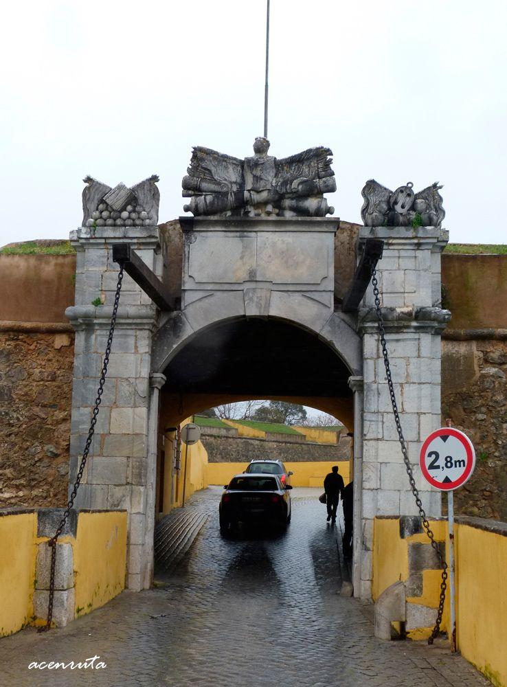 Elvas. Puerta de San Vicente