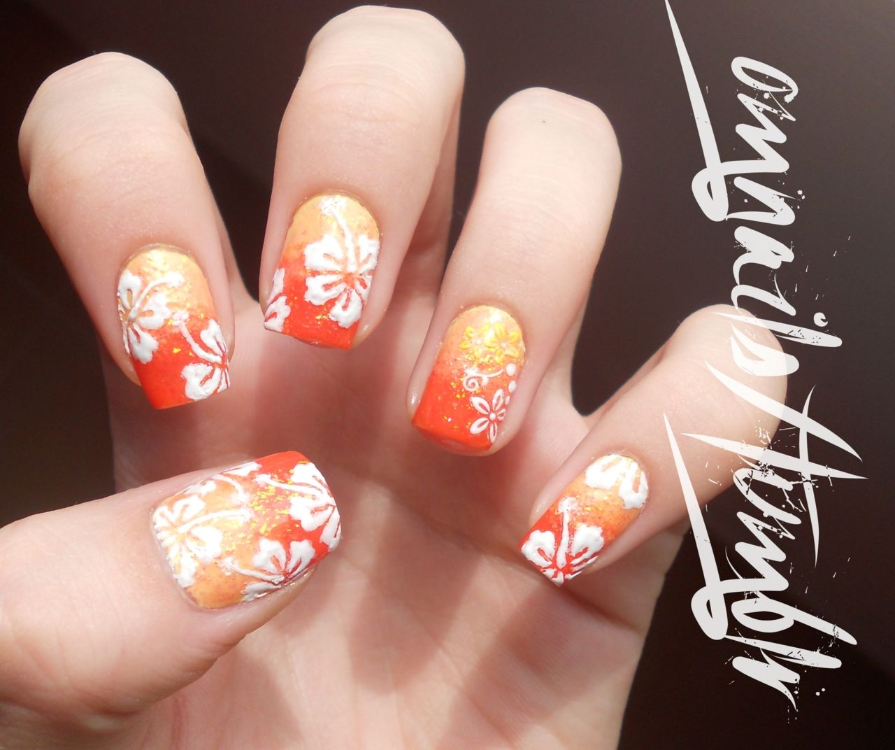 Nail Art Hawaiian Flowers