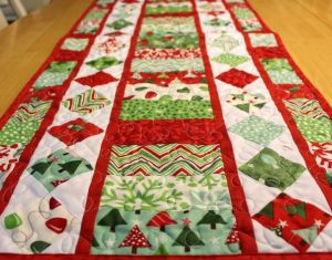 Ideas About Christmas Table Runners On Pinterest