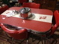 Love this retro kitchen table   Dinette Sets   Pinterest