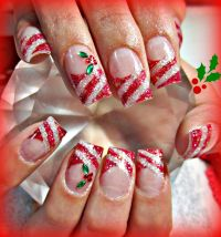 30 festive Christmas acrylic nail designs  Christmas Photos