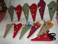 Scissor holder from pot holders... | Sewing Machine covers ...