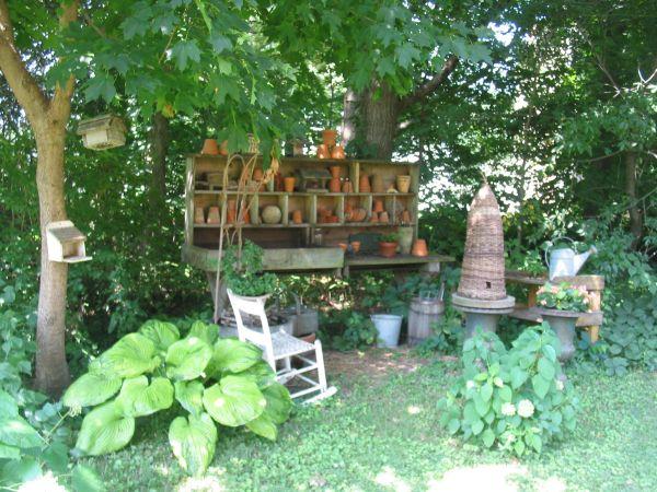country living magical garden