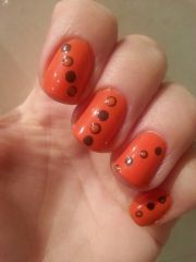 brown & orange dots nail art