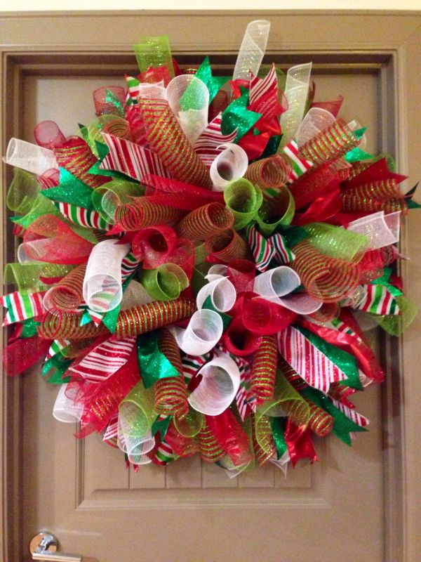 Curly Deco Mesh Christmas Wreath Ideas