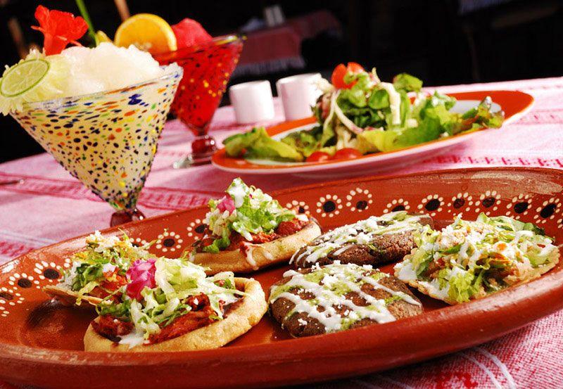 Tradicional comida mexicana  V I V A  M E X I C O