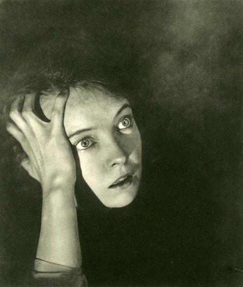 Lillian Gish, 1920s, photo by George Hoyningen-Huene