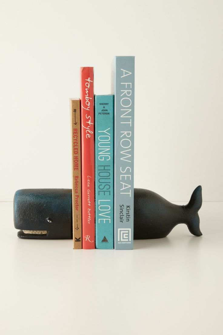 Beluga Bookends