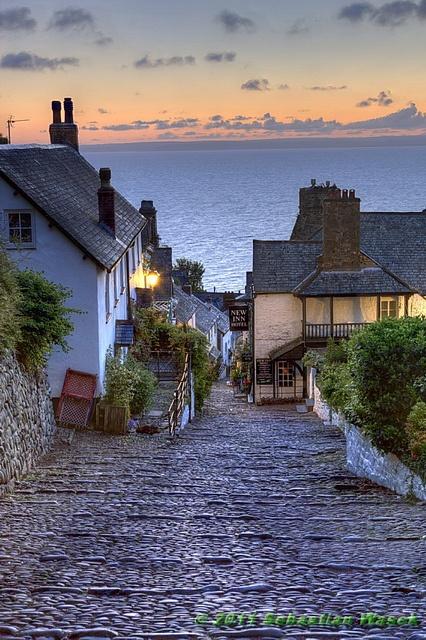 Clovelly, North Devon, Inghilterra, Regno Unito.  Così caratteristico e incantevole.  C / o Sebastian Wasek.