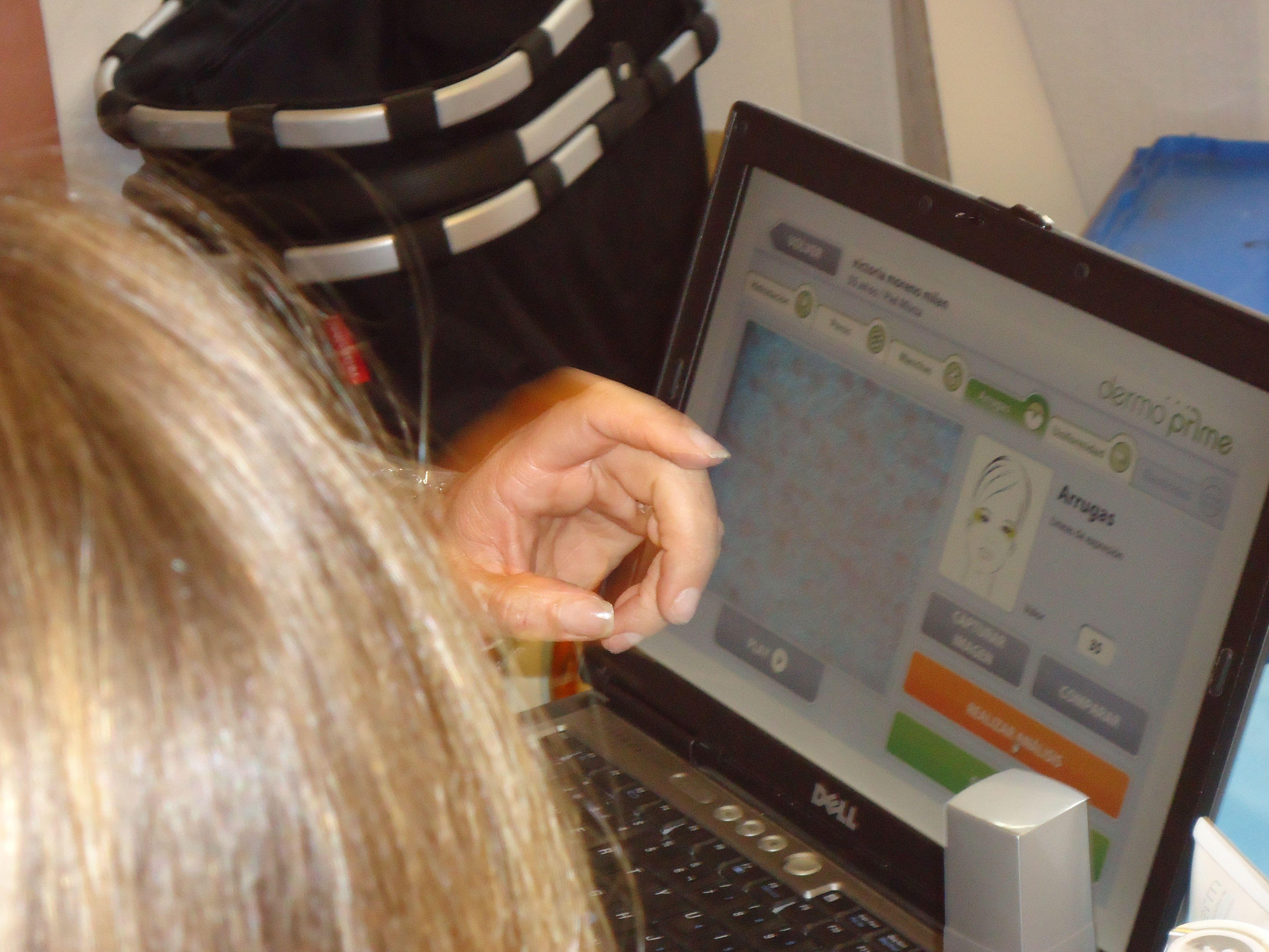 Análisis de piel Singuladerm en Farmacia Internacional de Madrid