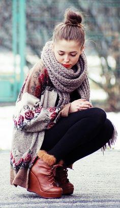 sweater & chunky scarf