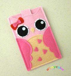 """A Whoot Whoot for This Felt Owl iPhone Case :-D But....Boo Booooo I don't have an IPhone....so must find a way to DIY One so it Whootly fitt any Cell Phone....So It """"Fly"""" To My Board MIM To Do List....for a """"Wise"""" Solution ;-)"""