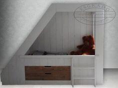 Kamer Roos on Pinterest  Bed Nook Met and Vans