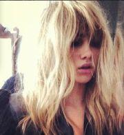 suki waterhouse hair and style