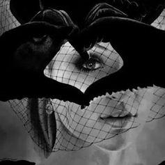 الليدي تاليا ∞☯❤☯∞ ليس لدي سوى قلب يسكنه الحب وروح تحمل الخير الى العالم بأكمله ونبض تسري فيه الامنيات الجميلة التي ترسلها اوردتي اليكم يا من انتم في القلب و لكم القلب اوقاتكم حب ∞☯❤☯∞ 