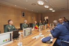 El Director General de la Guardia Civil recibe a una Comisión de la Gendarmería Nacional de Senegal  Jornadas de trabajo entre la Guardia Civil y la Delegación de la Gendarmería Nacional de Senegal: http://wp.me/p2mEY0-2o3  @juliansafety