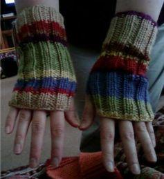 DW_wrist_warmer_both.jpg