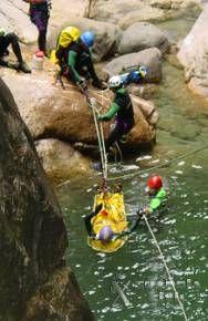 Funciones de la Guardia Civil, En la montaña Rescate de la Guardia Civil de dos montañeros españoles en Marruecos
