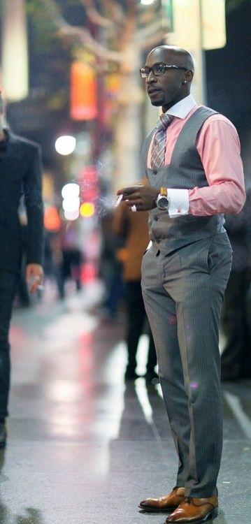 Stylish Grey 3pc Suit With Pink Shirt. Should have gone with black shoes, but insanely dapper nonetheless.