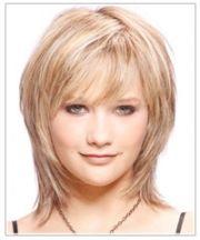 casual-medium-straight-hairstyles